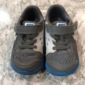 Toddler boy Nike tennis shoes